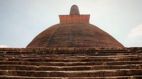 Forntida gigantisk buddhismpagodingång royaltyfri fotografi