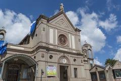Forntida grå gammal kristen kyrka i den Nuwara Eliya staden fotografering för bildbyråer