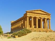 forntida grekiskt tempel Royaltyfri Bild