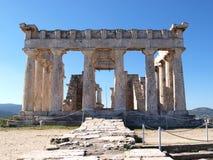 Forntida grekiskt tempel av afaiaen Royaltyfria Foton