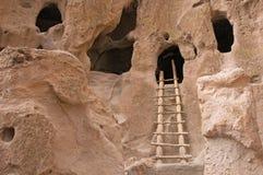 forntida grottaboningar Arkivfoto