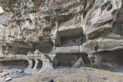 Forntida grottastad/stad av Crimean Tatar - Chufut-grönkål, Mangup-grönkål, Bakhchisaray Historiskt fördärvar och det fantastiska Royaltyfri Foto
