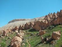 forntida grottatownsikt Arkivfoto