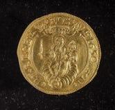 Forntida guld- mynt av republiken av Genua Italien Arkivfoto