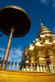 forntida guld- pagoda thailand Arkivbilder