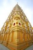 forntida guld- pagoda thailand Arkivfoton