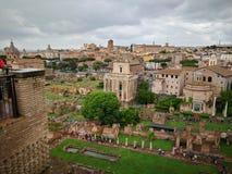 Forntida härlig stad för Roma Italy ängel Arkivfoton
