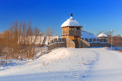 Forntida handelfabriksby på vintern i Pruszcz Gdanski Arkivbild