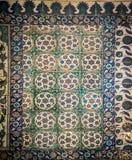 Forntida handgjorda turktegelplattor f?r ottoman arkivfoto