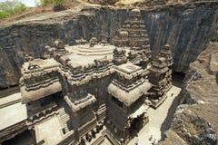forntida hinduiskt rocktempel Fotografering för Bildbyråer