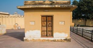 Forntida indisk dörr Fotografering för Bildbyråer