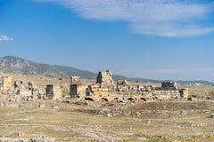 forntida kalkon för stadshierapolispamukkale Arkivbild