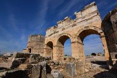 forntida kalkon för stadshierapolispamukkale Arkivbilder