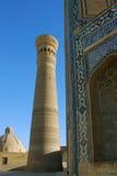 Forntida Kalyan Minaret i Bukhara Arkivbilder
