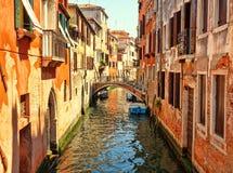 Forntida kanaler av Venedig Royaltyfria Bilder
