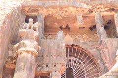 Forntida karla grottor och teckningar i Indien Arkivbilder