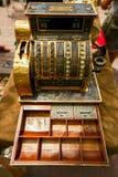 Forntida kassaapparat, raritet Royaltyfri Bild