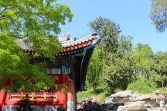 Forntida kinesisk byggnad med hörnet i himlen Royaltyfria Foton