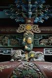 forntida kinesiskt statyträ arkivbilder