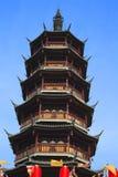 Forntida kinesiskt tempeltorn Arkivfoton