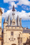 Forntida klocka för Grosse Closhe Klocka torn, Bordeaux Royaltyfri Fotografi