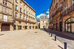 Forntida klocka för Grosse Closhe Klocka torn, Bordeaux Royaltyfria Foton