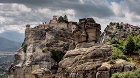 Forntida kloster på vaggar Arkivbild
