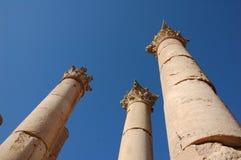 Forntida kolonner i den romerska staden Gerasa, i dag Jerash, Jordanien Fotografering för Bildbyråer
