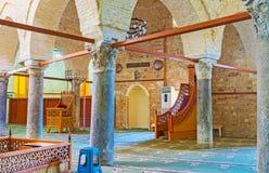 Forntida kolonner i den Yivliminare moskén av Antalya Arkivbilder