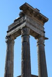 forntida kolonner rome arkivfoto