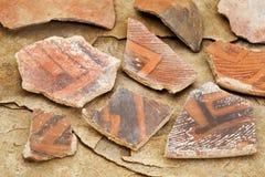 forntida krukmakeriskärvor för anasazi Royaltyfri Bild