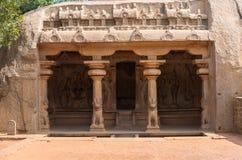 Forntida kusttempel. Mahabalipuram Tamil Nadu, Indien, en plats för UNESCO-världsarv Arkivfoto