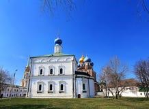 Forntida kyrka i den Ryazan Kreml Royaltyfri Foto