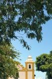 Forntida kyrka i kolonial stil i sydliga Bahia, Brasilien Arkivfoton
