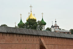 Forntida kyrka i Suzdal Royaltyfri Fotografi