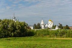 Forntida kyrka i Suzdal Den guld- cirkel`en för ` av Ryssland Historiska dragningar och arkitektur Royaltyfria Bilder