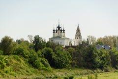 Forntida kyrka i Suzdal Historiska dragningar och arkitektur av Ryssland Royaltyfri Bild