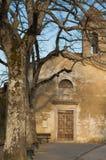 Forntida kyrka i Valdichiana Fotografering för Bildbyråer