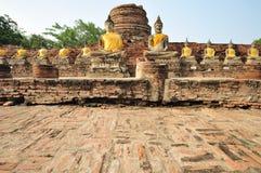 Forntida Lord Buddha Statue fotografering för bildbyråer