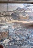 Forntida Madaba mosaisk översikt på trottoar av kyrkan Royaltyfri Bild