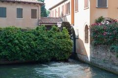 Forntida mala på Sile River i mitt av Treviso Royaltyfria Bilder