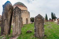 Forntida mausoleum och kyrkogård, Yeddi Gumbez komplex, Shamak fotografering för bildbyråer