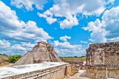 Forntida mayan pyramid i Uxmal, Yucatan, Mexico Royaltyfria Bilder