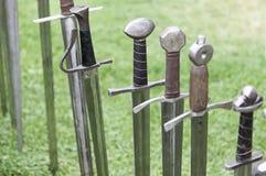 Forntida medeltida svärd Royaltyfri Fotografi