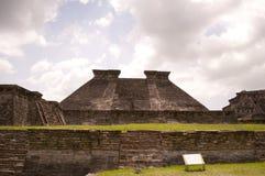 Forntida mexikanska pyramider Royaltyfria Bilder