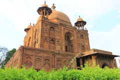 Forntida Mughal gravvalv i monumentallahabad Indien Royaltyfri Fotografi