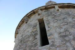 Forntida mycket liten liten kyrklig detalj Arkivfoton