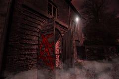 Forntida mystiskt läskigt hus Royaltyfria Foton