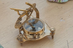 Forntida nautisk kompass Arkivbild