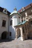 Forntida och historisk byggnad i Klagenfurt, Österrike arkivbild